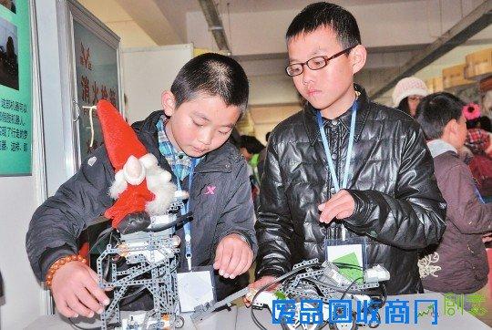 云南省青少年科技创新大赛开幕