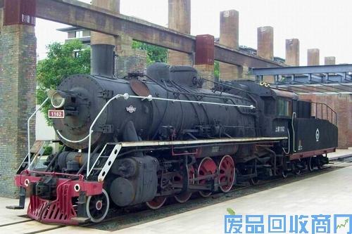 老旧火车头图2